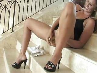 Pamela beautiful girl put her tongue in her pussy full movies