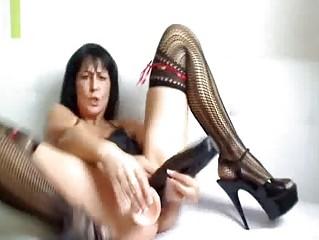 Triple dildos and huge bottle fucking milf