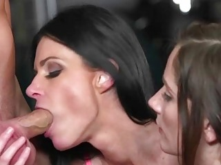 Lucky MILF in a perfect threesome