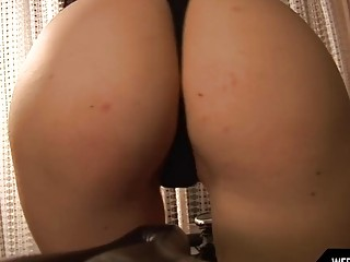 A Polish cutie rubs her pussy harshly in the garage
