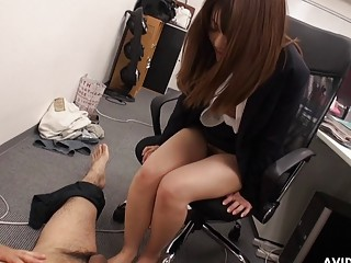 Japanese secretary Kimoko Tsuji sucks dick uncen