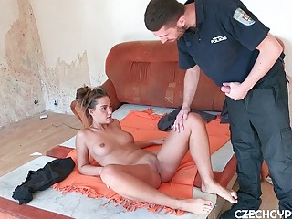 Amateur young girlfriend cheats on boyfriend with a police officer
