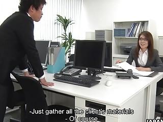 Japanese lady Mao Saitou is masturbating uncenso